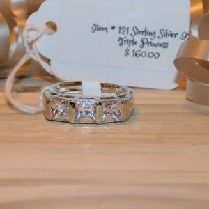 Jewelry - 👻STERLING SILVER 925 PRINCESS CUT RING